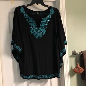 Black and turquoise short sleeve top